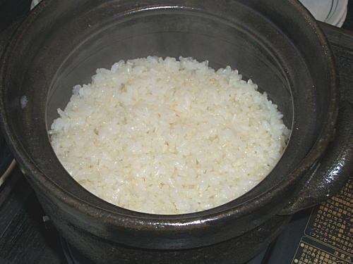 土鍋でご飯を炊くと、粒が立っています。